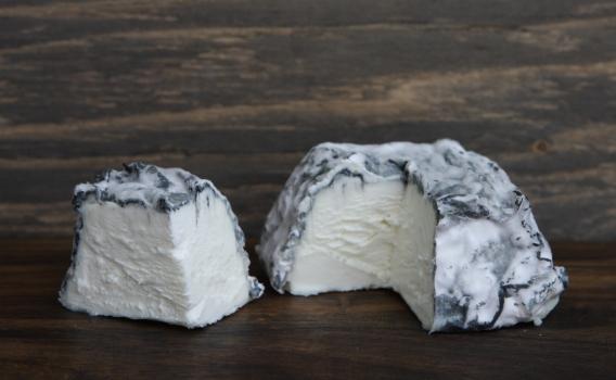 Сыр Валансе из козьего молока от фермерского хозяйства Курцево