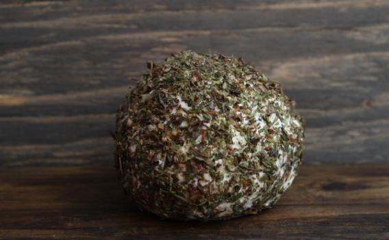 Сыр Шевр с прованскими травами из козьего молока от фермерского хозяйства Курцево, 0,15 кг