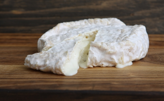 Сыр Камамбер из козьего молока от фермерского хозяйства Курцево