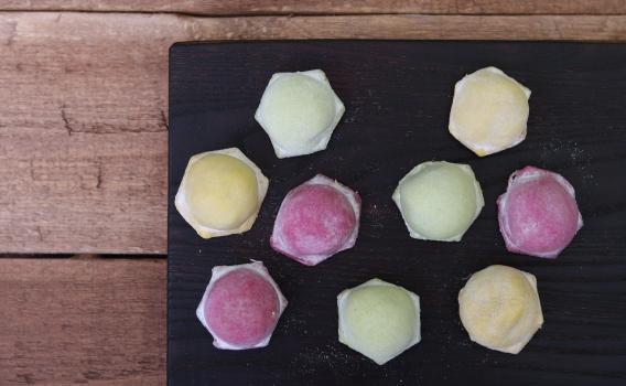 Пельмени цветные с говядиной и свининой от Знатного Фермера. 0,5 кг